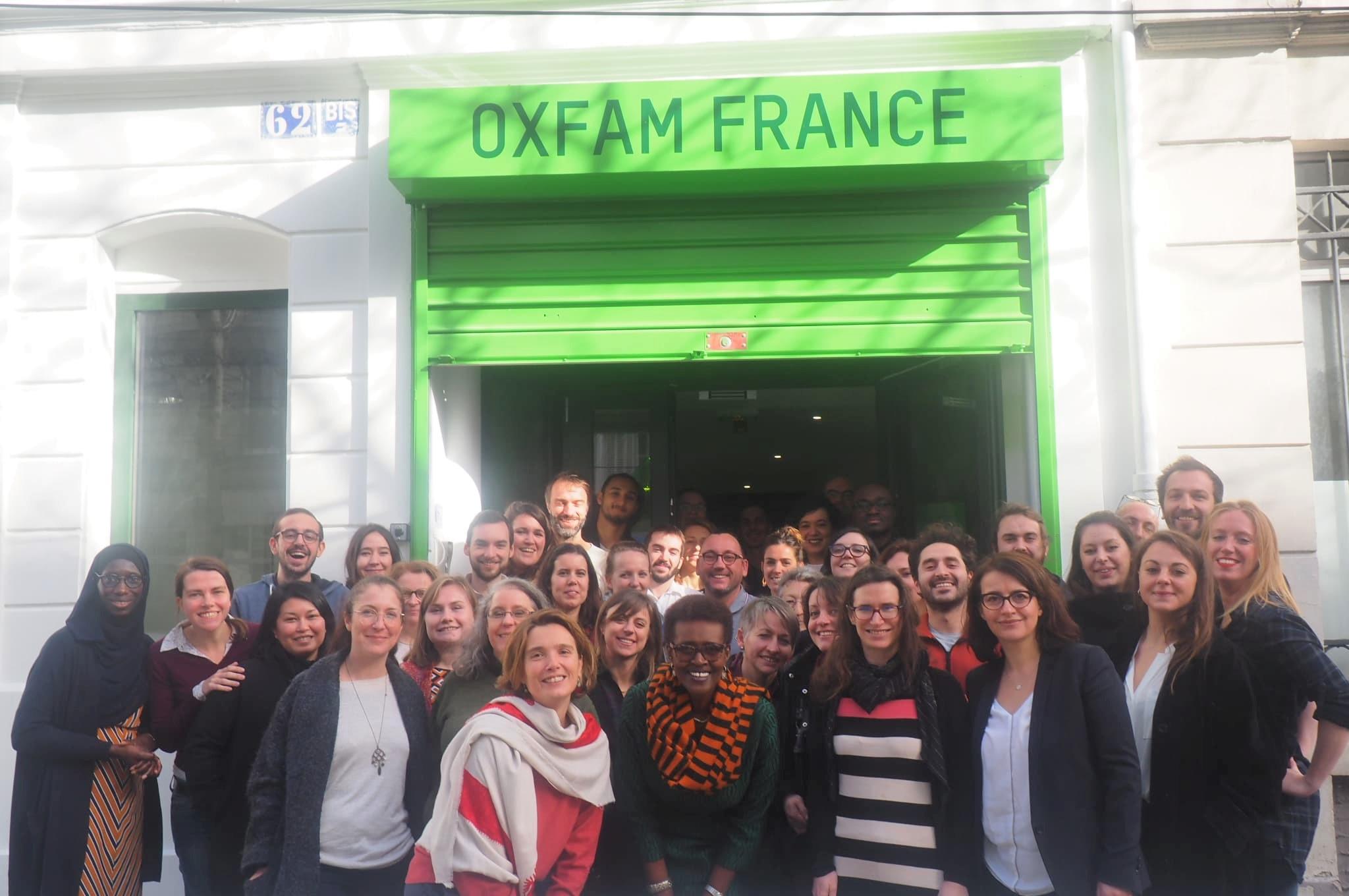 L'équipe d'Oxfam France, en compagnie de Winnie Byanyima, directrice exécutive d'Oxfam International, le 7 février 2019.